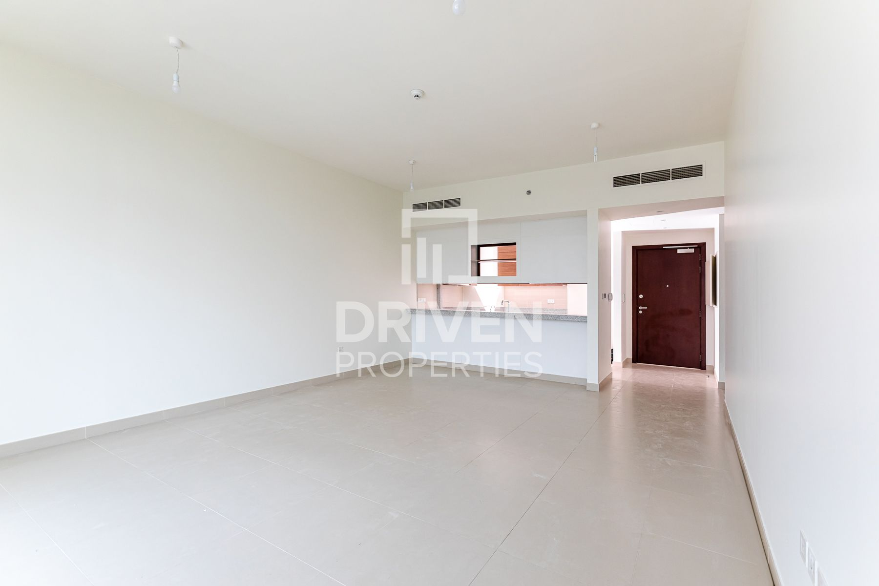 Spacious & Bright Apt | Ready to move in