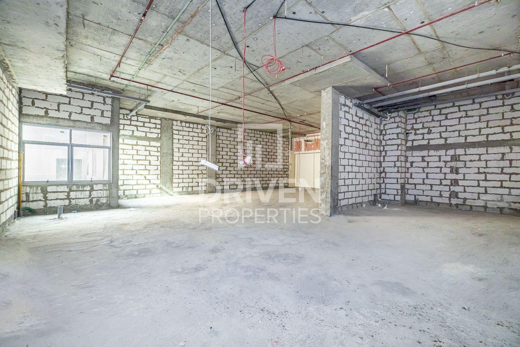 2,056 قدم مربع  تجزئة - للايجار - مجمع دبي للإستثمار