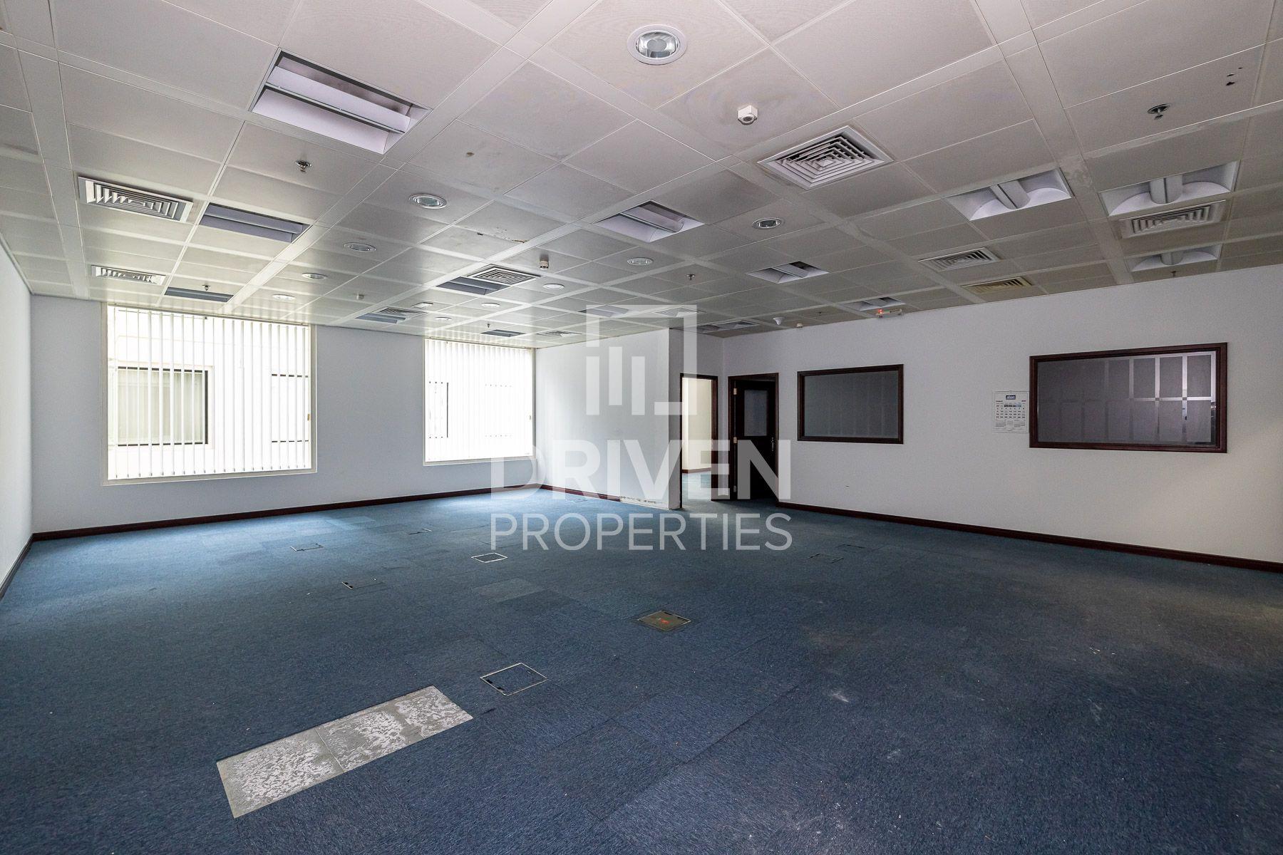 1,410 قدم مربع  مكتب - للايجار - بر دبي