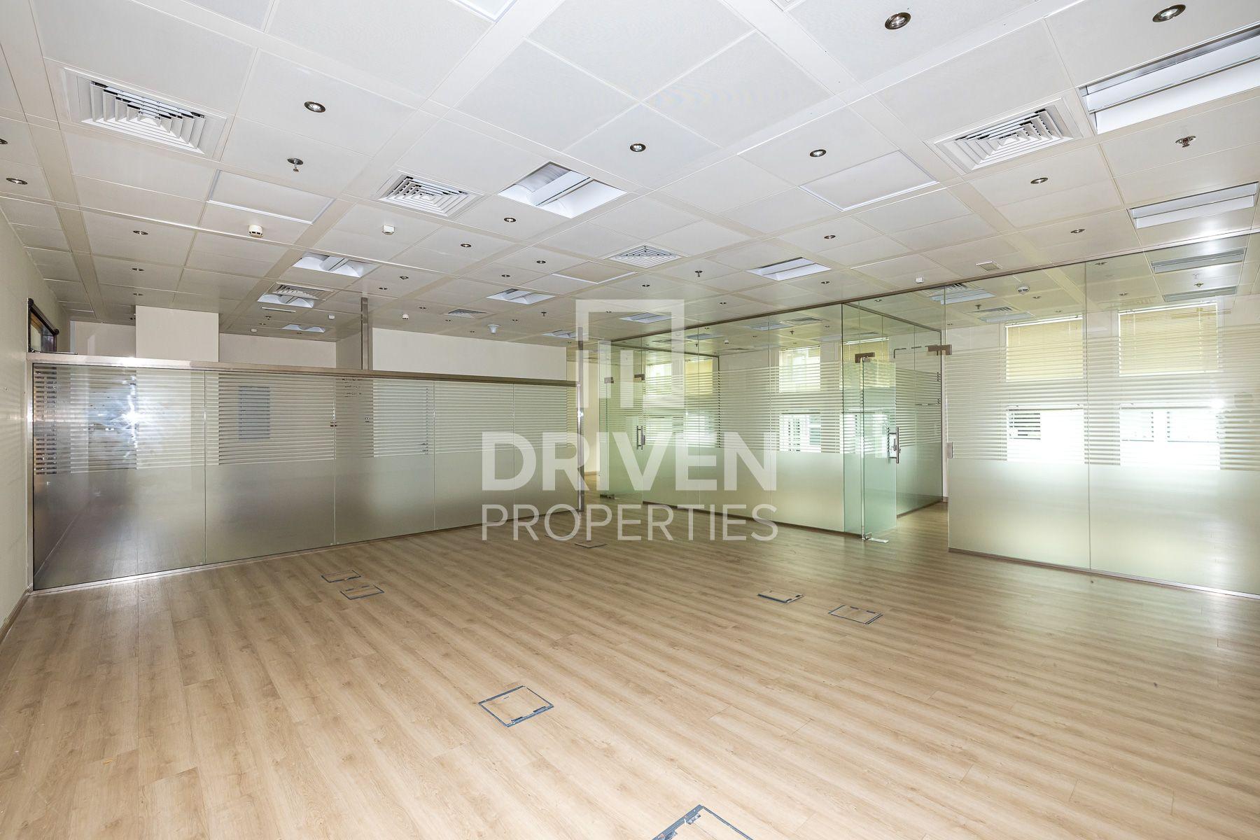 1,361 قدم مربع  مكتب - للايجار - بر دبي