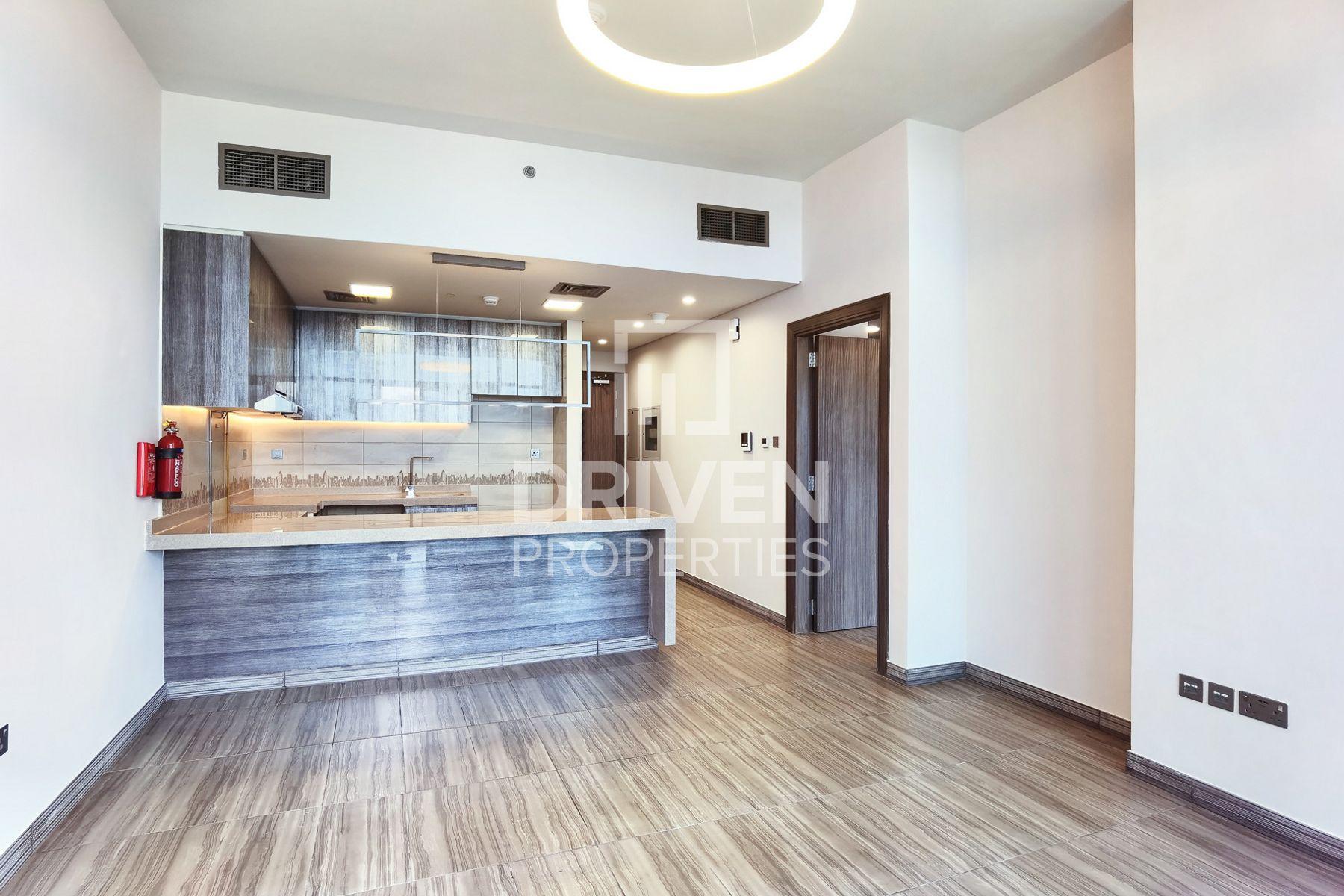 770 قدم مربع  شقة - للبيع - أبراج بحيرة الجميرا