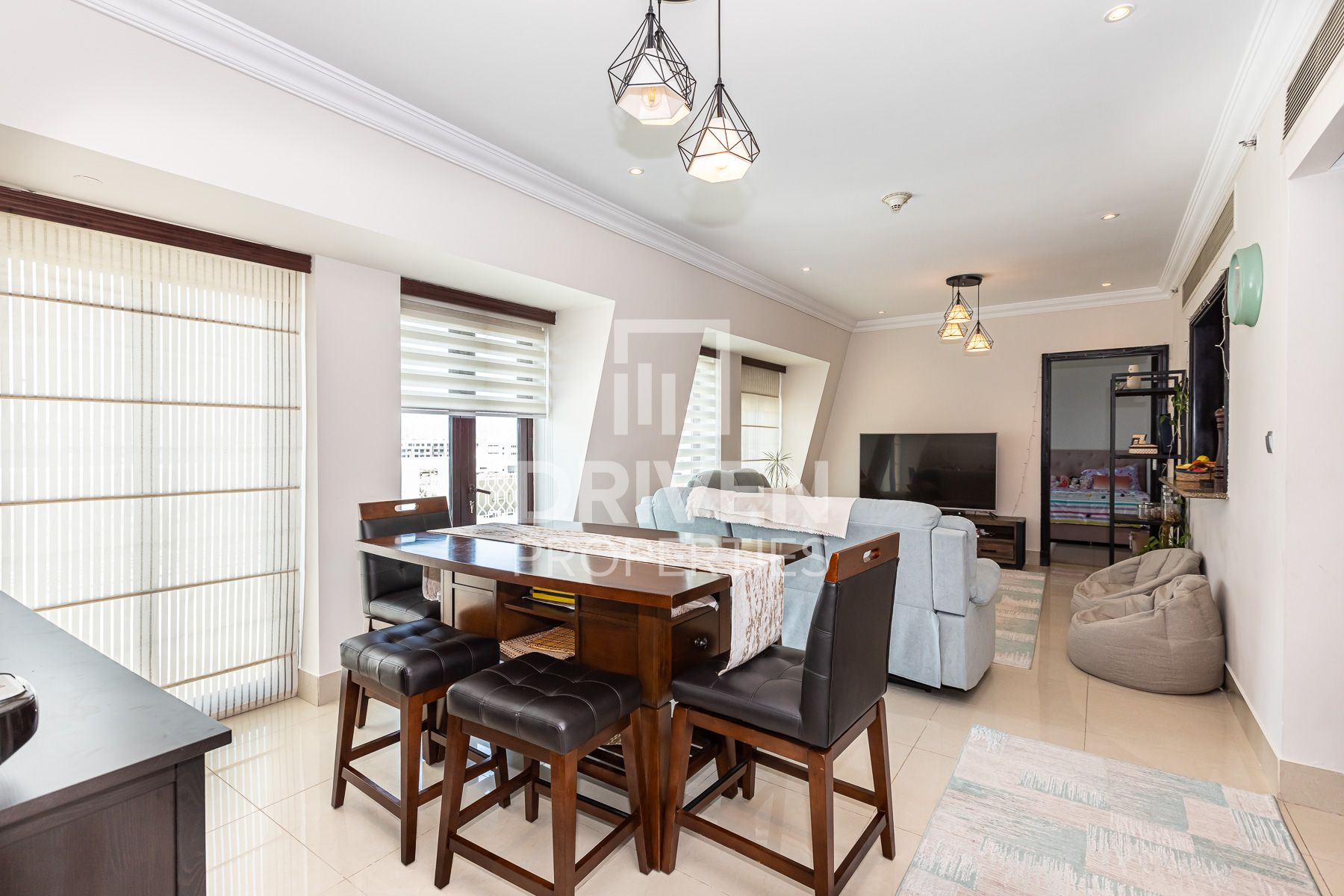 Well Maintained | Large | Community View