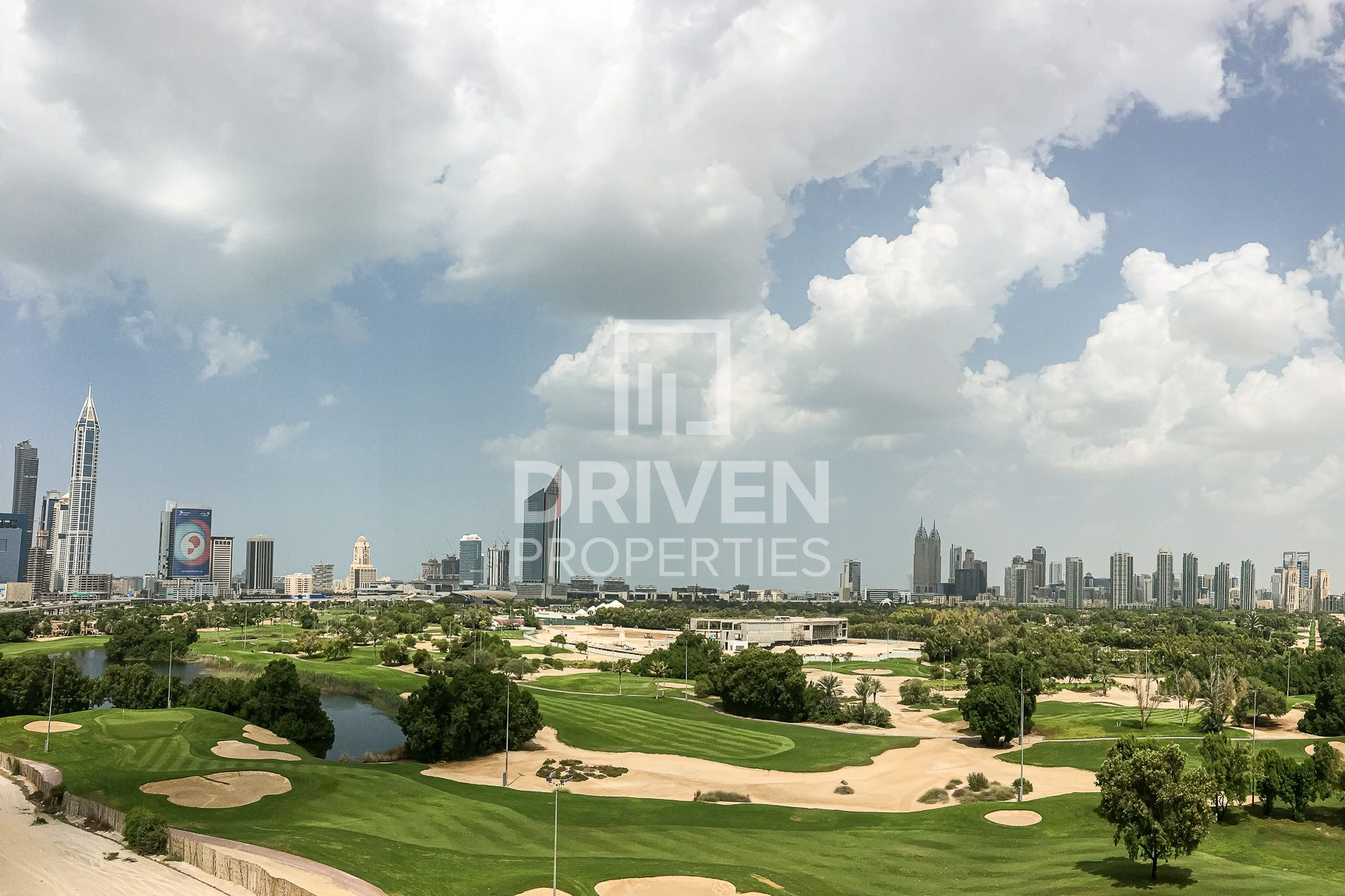 Full Golf Course View   Modern and Large