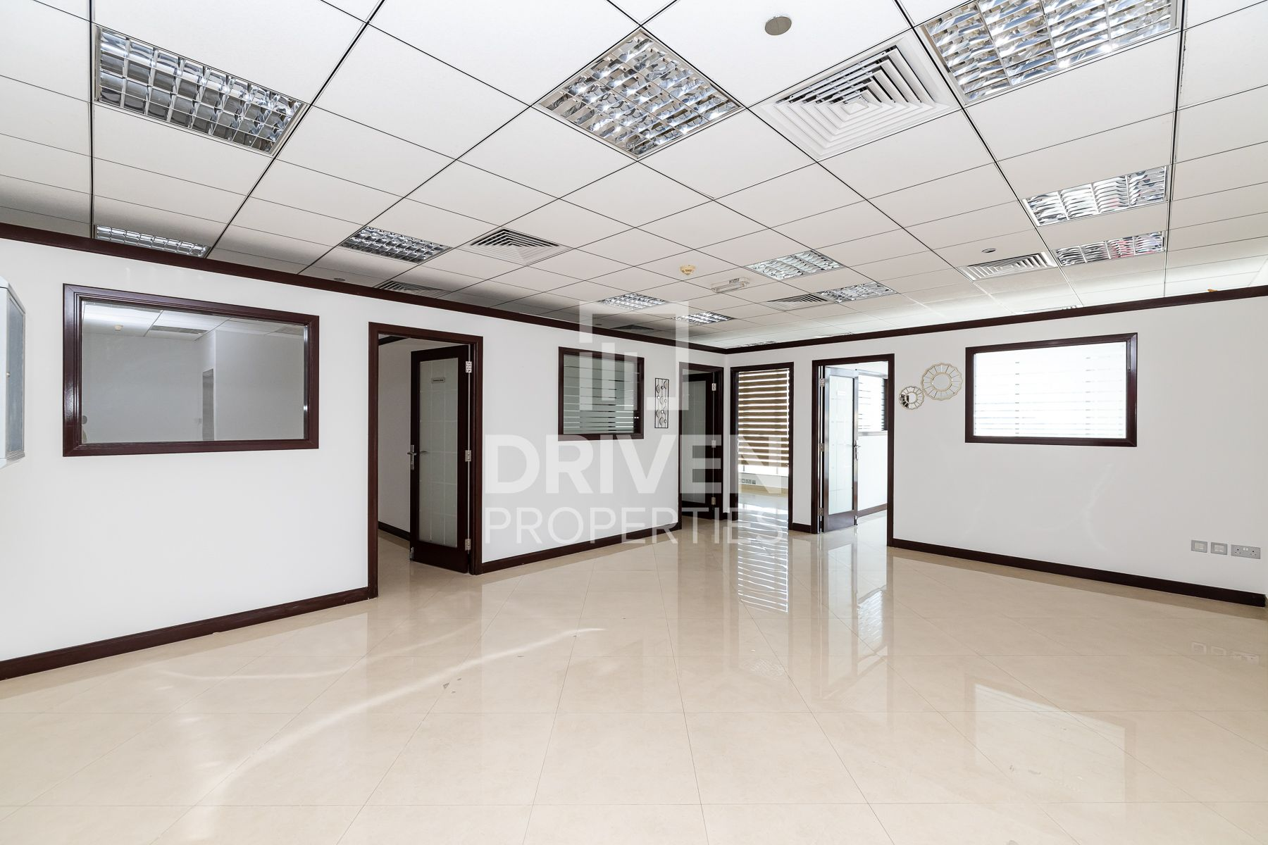 Well-kept Offices for rent | More Options