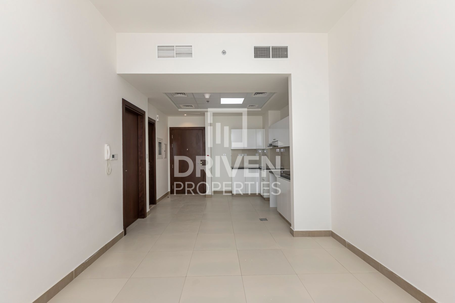 Brand New Apartment and Spacious Terrace