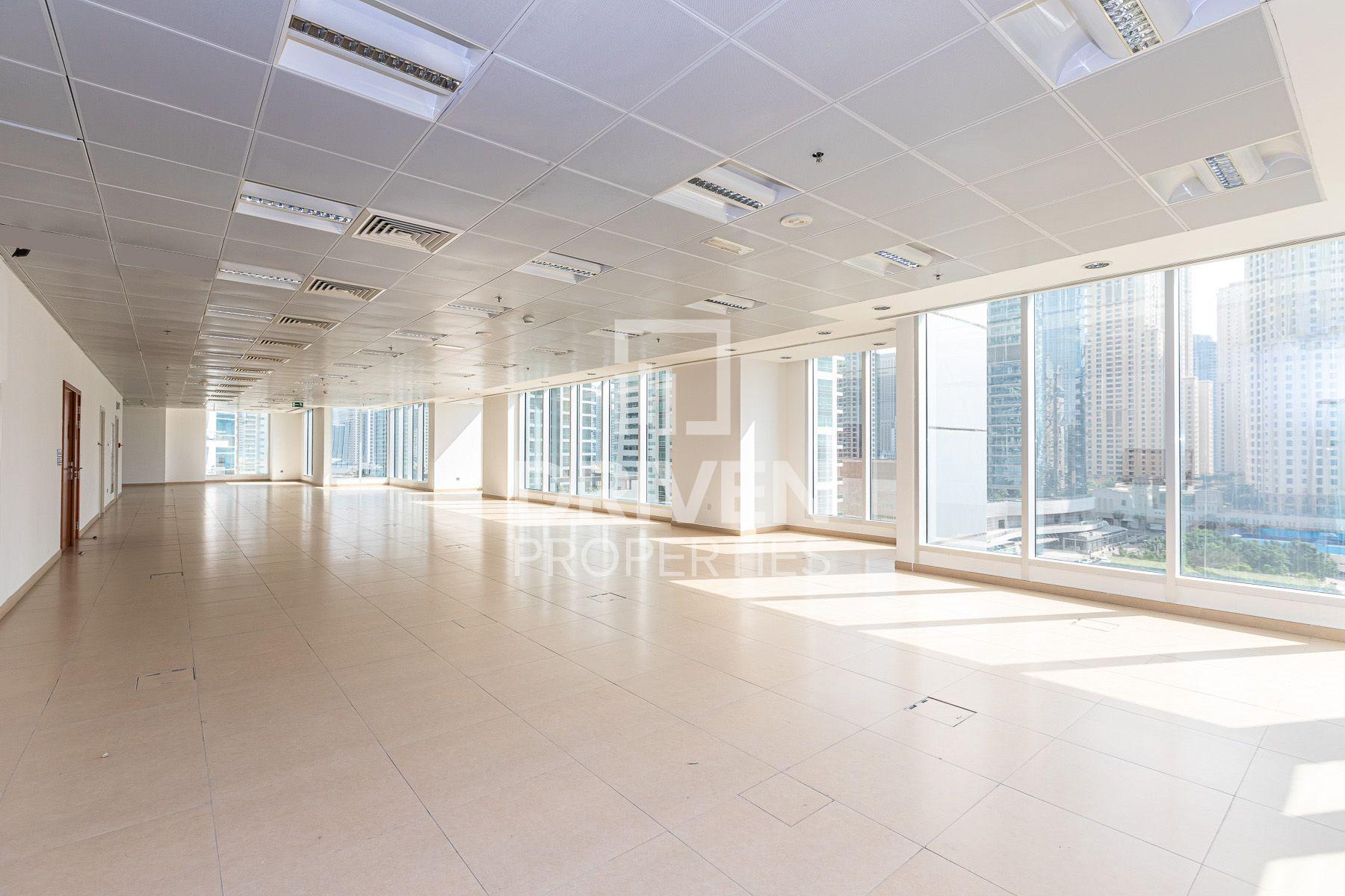 7,051 قدم مربع  مكتب - للايجار - دبي مارينا