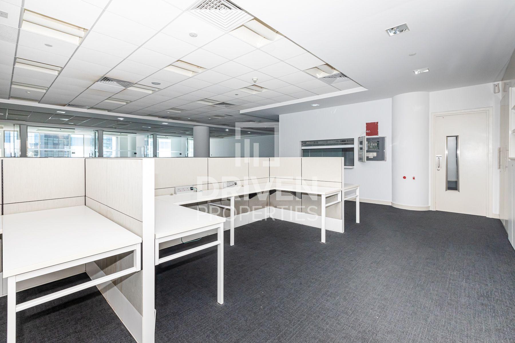 5,527 قدم مربع  مكتب - للايجار - دبي وسط المدينة