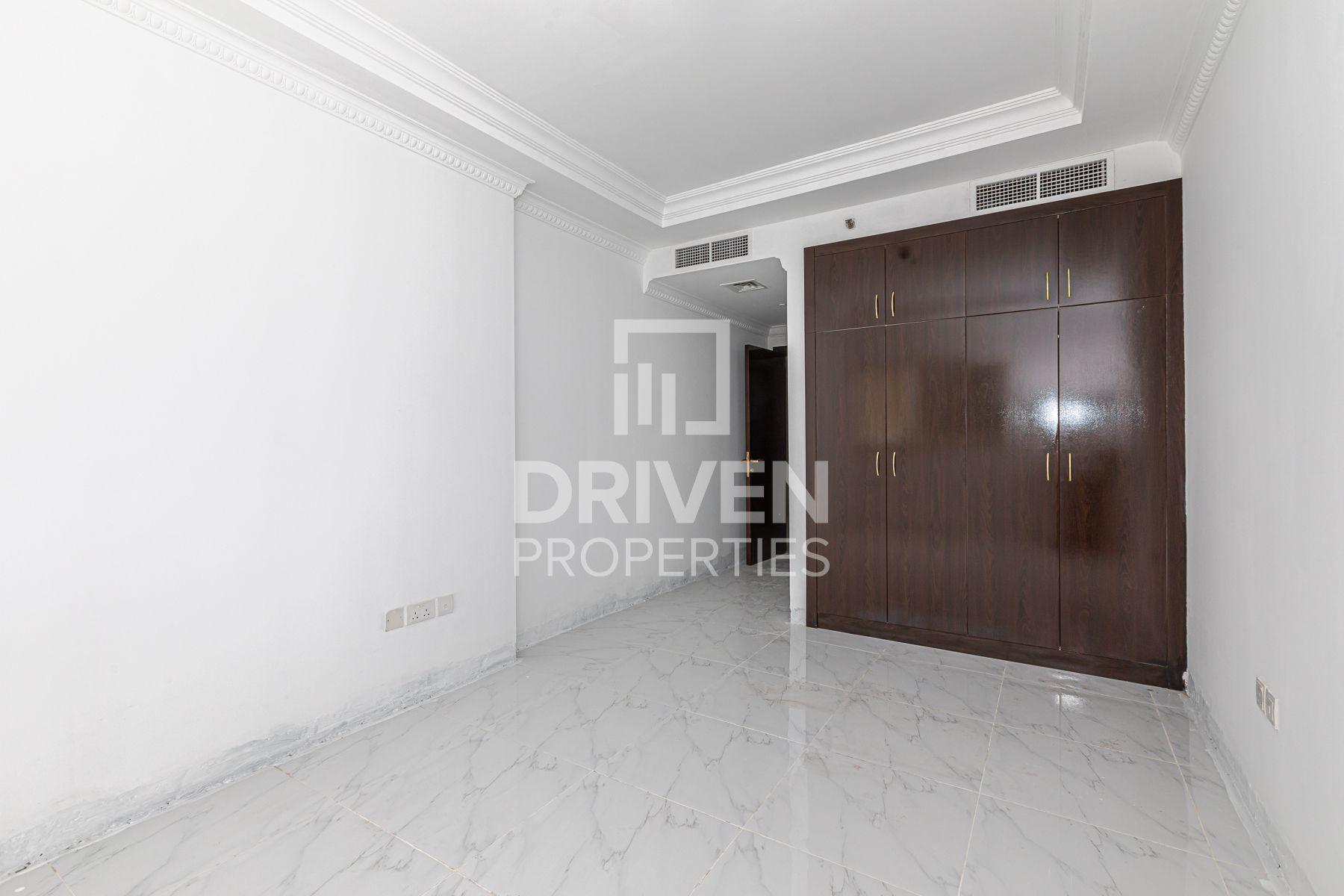 975 قدم مربع  شقة - للبيع - قرية الجميرا سركل