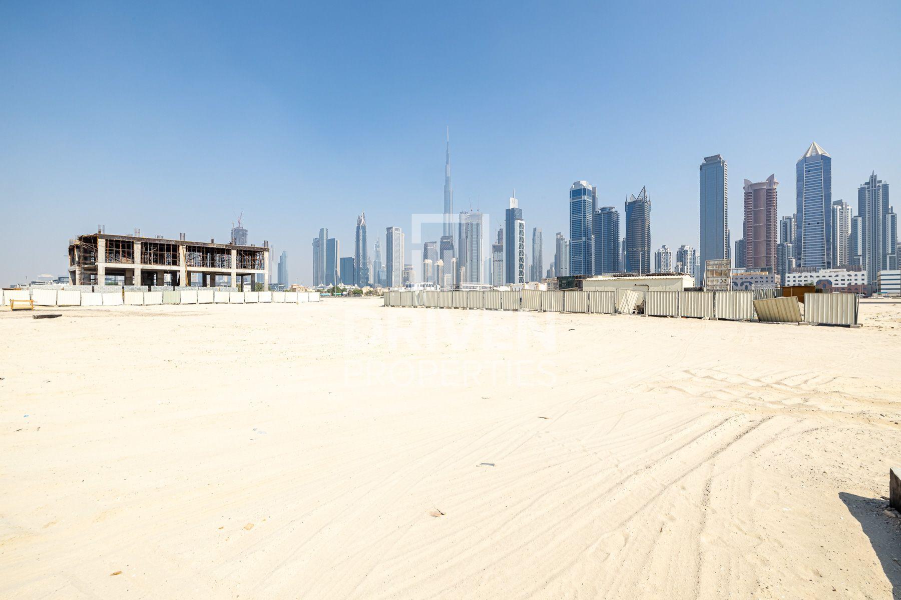Dubai Skyline View | Good for Investment
