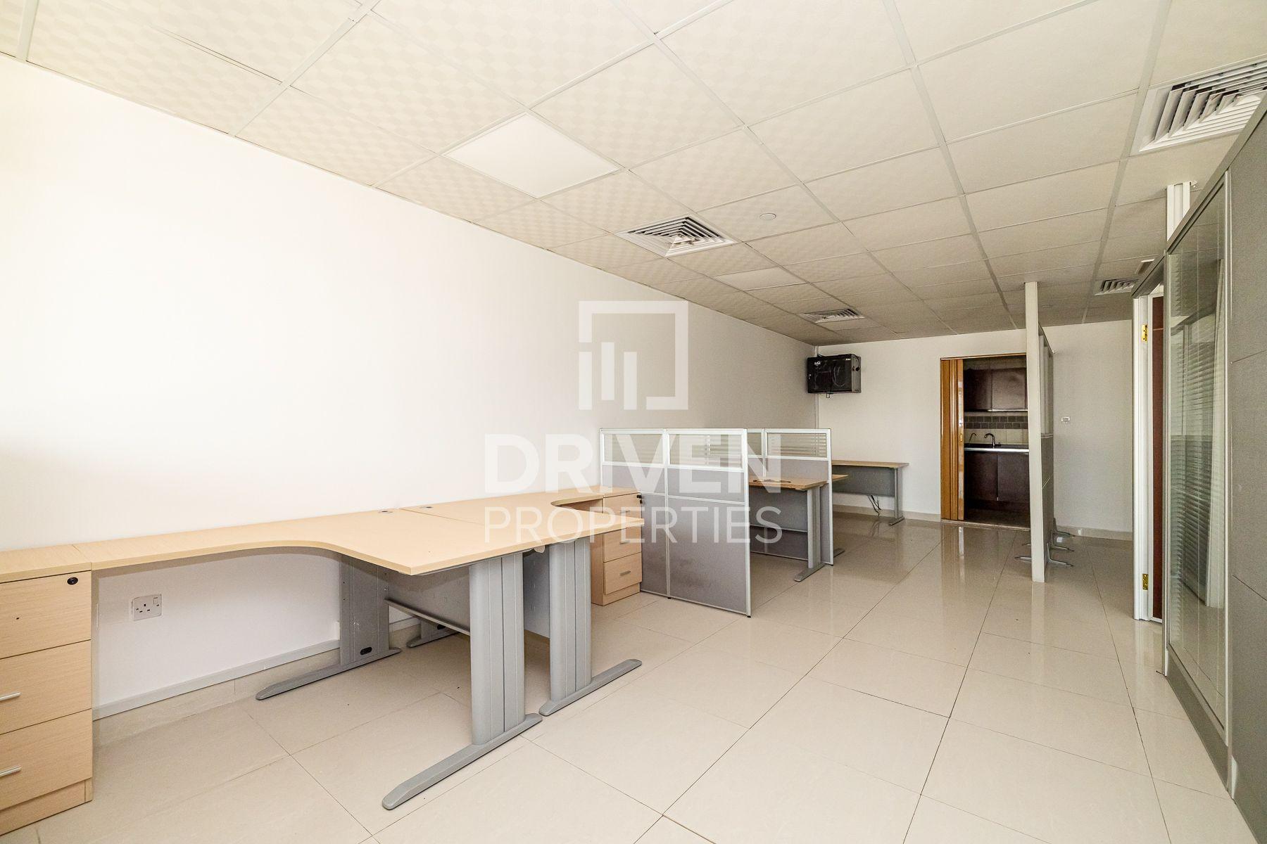 854 قدم مربع  مكتب - للايجار - أبراج بحيرة الجميرا
