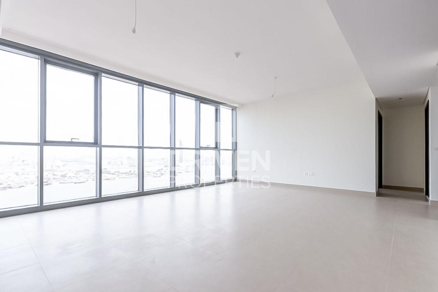 1,368 قدم مربع  شقة - للبيع - ميناء خور دبي